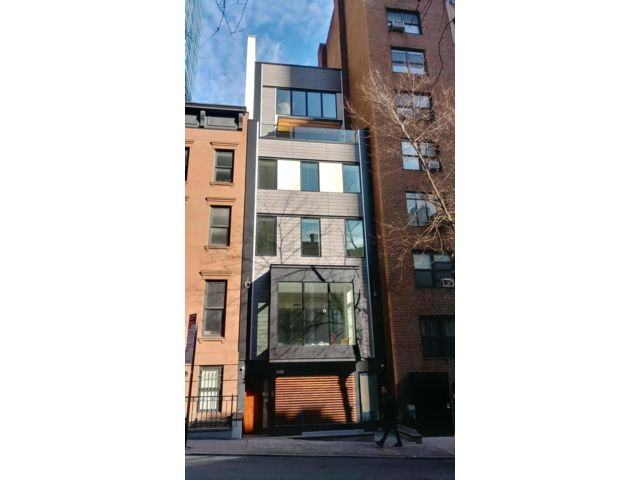 4 BR,  4.00 BTH  Townhouse style home in New York